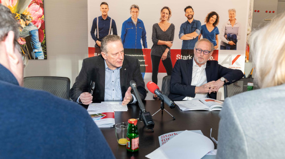 Hubert Hämmerle und Rainer Keckeis bei der Pressekonferenz © AK Vbg.