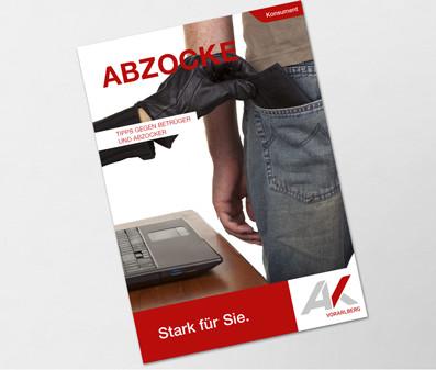 Hand greift nach Brieftasche © davidevison, stock.adobe.com