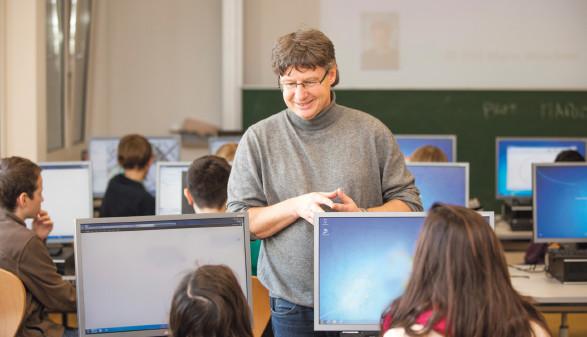 Mario Wüstner unterrichtet auch im Modul B des Digital School Bildungspakets. © AK Vbg