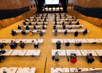 Die 187. Vollversammlung der AK Vorarlberg befasst sich mit den Verlierern der Corona-Krise am Arbeitsmarkt. © Jürgen Gorbach/AK