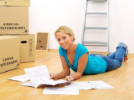 Junge Frau in ihrer neuen Wohnung © Light Impression, Fotolia