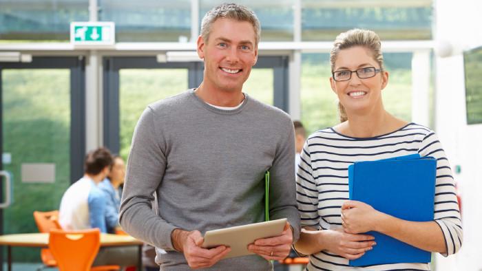 Lehrer-Ausbildung © AdobeStock, micromonkey