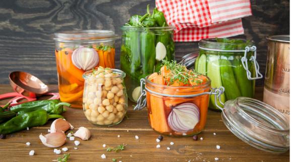 Gemüsesorten in Weckgläsern © scerpica, stock.adobe.com