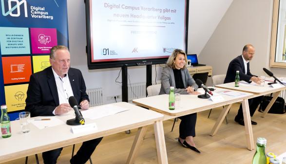 Landesrat Marco Tittler, AK-Präsident Hubert Hämmerle und Eva King, Geschäftsführerin Digital Campus Vorarlberg © AK Vorarlberg, Dietmar Mathis