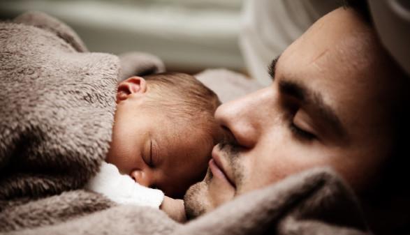 Papa mit Baby © Pexels, Pixabay