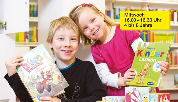 Zwei Kinder in der Bibliothek © Jürgen Gorbach, AK