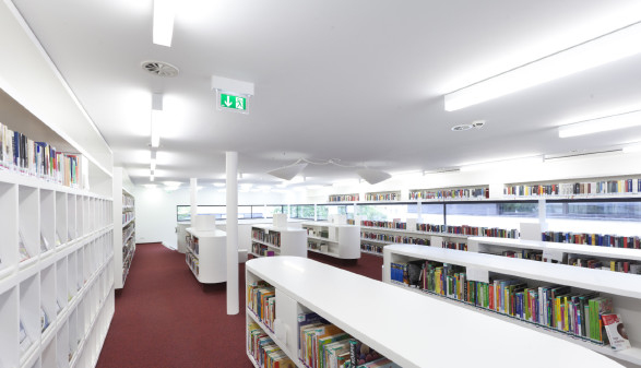Blick in die AK-Bibliothek Bludenz © Georg Alfare, Fotograf