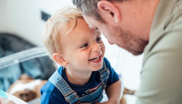 Vater und Kind © SolStock
