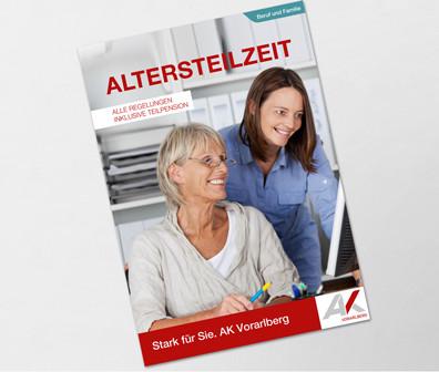 junge Frau erklärt älterer Frau den PC © contrastwerkstatt, stock.adobe.com