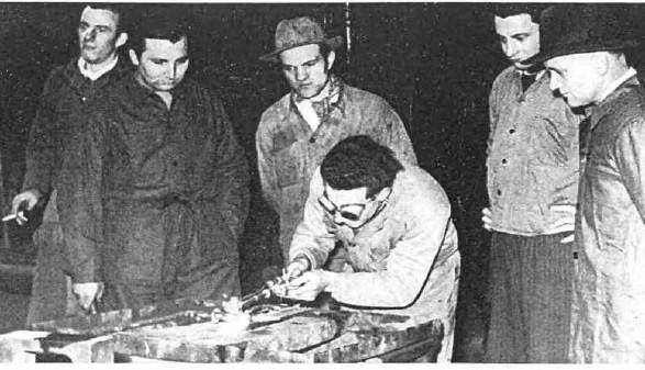 Schweißkurse: viele Arbeiter konnten durch sie ihre Qualifikation verbessern. © Archivscan