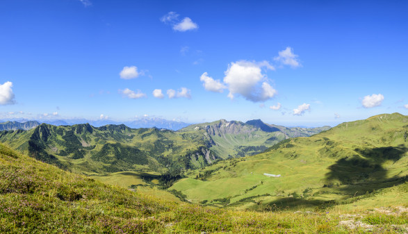 traumhaftes Gebirgspanorama in Vorarlberg © ARochau, stock.adobe.com