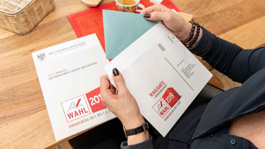 Wahl- und Rücksendekuverts © AK / Jürgen Gorbach