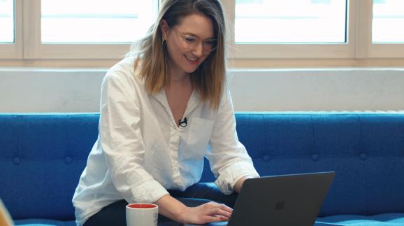 Das Ausbildungsprogramm Digital Pioneers bietet Frauen zwischen 17 und 27 Jahren einen Start in eine Karriere mit Zukunft. © Marc Wolf